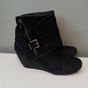 Blowfish Bilocate Wedge ankle bootie